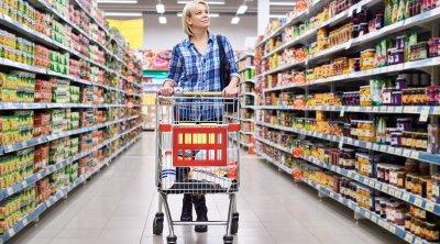 Bu marketdə vaxtı keçən yumurta və kolbasalar satıldı - FOTOFAKT