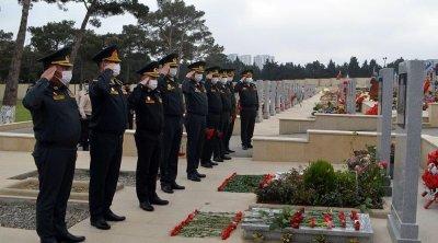 Milli Qəhrəman İlqar Mirzəyevin məzarı ziyarət edildi - FOTO