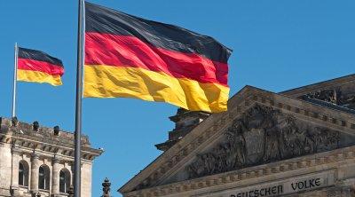 COVİD qadağalarına qarşı Berlində ETİRAZLAR alovlanır - VİDEO