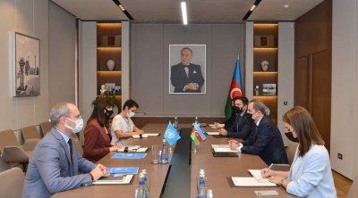 Ceyhun Bayramov BMT-nin rəsmisi ilə görüşdü - FOTO