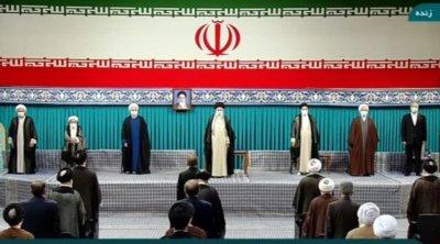 İranın yeni prezidenti Xomeyni məscidində and içdi - VİDEO