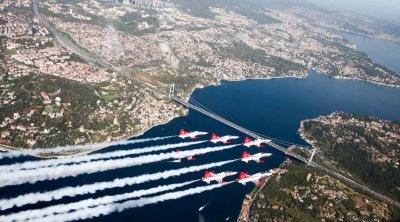 Azərbaycan və Türkiyə qırıcıları İstanbul səmasında - FOTO