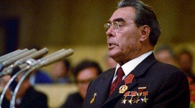 Makron Leonid Brejnevin repressiya üsullarına əl atdı