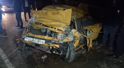 Bərdədə ağır yol qəzası: 5 nəfər yaralandı - FOTO