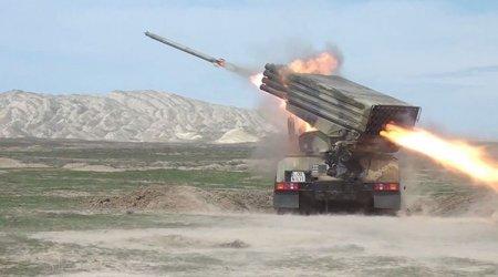 Azərbaycan Ordusunda raket-artilleriya batareyalarının döyüş atışlı taktiki təlimləri başlayıb - VİDEO